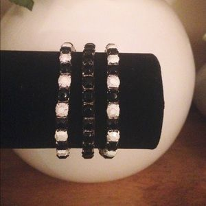 Jewelry - *NEW* Handmade Black/White Stacking Bracelet Set